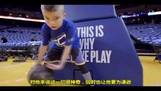 11岁小孩模仿库里上篮完整版,最后库里送了他签名鞋