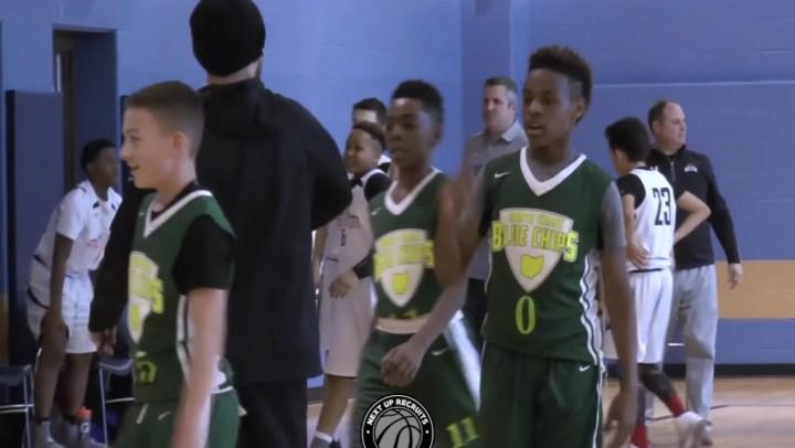 勒布朗詹姆斯看他儿子打篮球