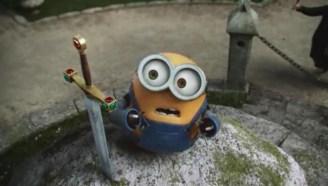 一只会拔剑的小黄人~
