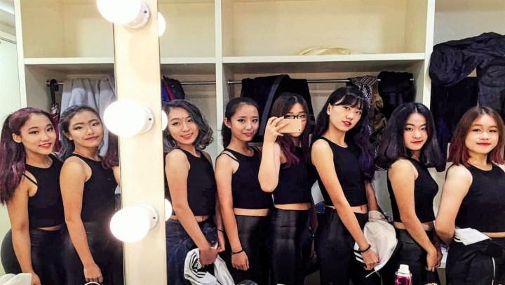 【中国女高中生街舞表演/翻跳世界舞蹈比赛RoyalFamily表演】深国交街舞社Sparkling
