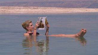 一座不能游泳的湖,两国为救它砸51亿,门票50吸引数万人游玩