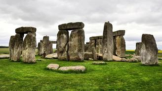 探秘:英国闻名天下的巨石阵,我们都?#40644;?#20102;60年?