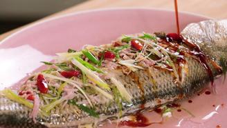 簡單好學的美味年菜,清蒸鱸魚拯救廚房萌新!