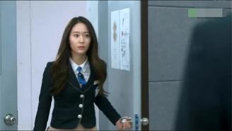 宝娜不亏是最甜的韩剧女主,看到前男友这个反应,真是可爱极了