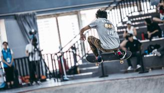 【亚运会滑板预选赛 碗池第一弹】教练!我想学滑板!