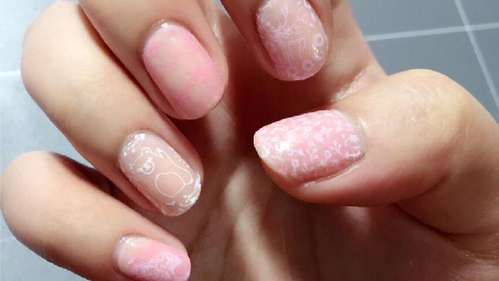 【美甲】涂個指甲~|印花美甲-粉粉嫩嫩萌著過春天233--色差感人 實物明顯但就是拍不出來的惆悵